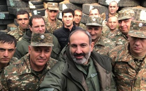 """Армянские СМИ: """"Генералы"""" из Карабаха хотят свергнуть Пашиняна"""