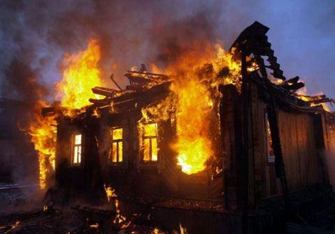 Zaqatalada oğurluq etdikləri evi yandıranlar tutuldu - FOTO