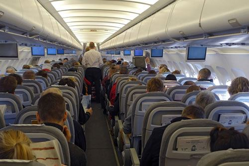 Canada to outlaw removal of passengers from overbooked flights
