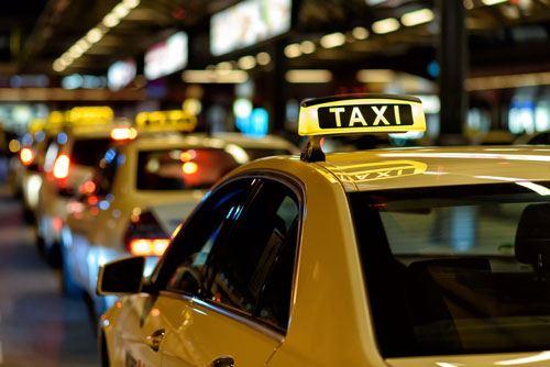 Bakıda taksi sürücüsü qarət edilib