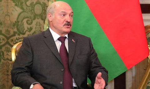 """Lukaşenko: """"Rusiya bizi itirməkdən qorxur"""""""