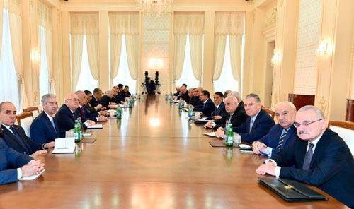 """Azərbaycanda """"qocaların hakimiyyəti"""" necə dəyişdi?"""
