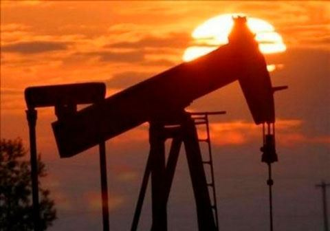 Oil hits 2019 high on signs of tighter supply; Brent eyes $70 a barrel