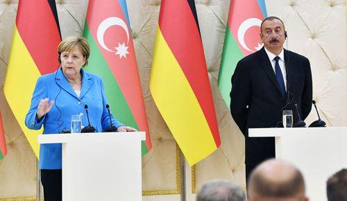 Angela Merkel Prezident İlham Əliyevə zəng edib