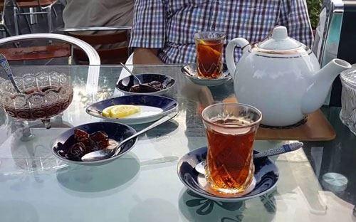 Yeməkdən sonra çayın faydası var?