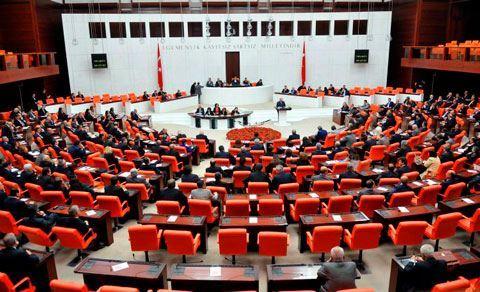 AKP millət vəkilləri qəzaya uğrayıb - FOTOLAR