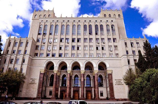 Ramiz Mehdiyev AMEA ilə bağlı sərəncam imzalayıb