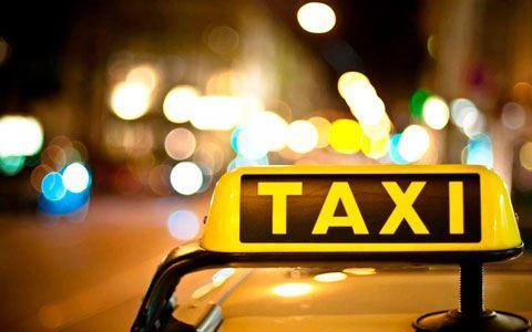 Taksici parası olmayan müşteriyi evinin bodrumuna zincirledi