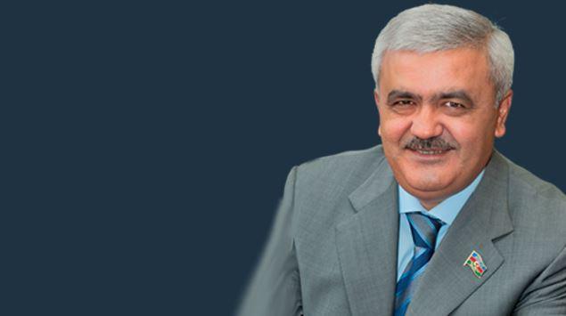 Rövnəq Abdullayev işçilərin aylıq əlavə ödənişlərini 50 faiz AZALTDI