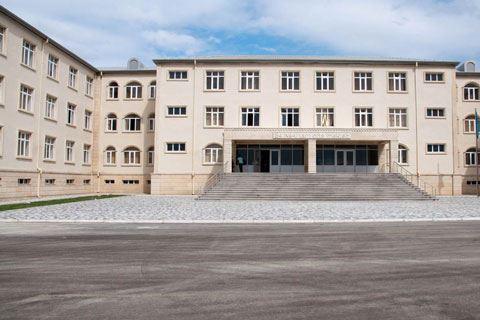 <p><strong>Salyanda Heydər Əliyev Fondunun təşəbb&uuml;s&uuml; ilə yeni məktəb binası inşa olunub</strong></p>