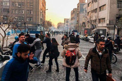 Qonşu ölkədəki etirazlarda 250 nəfər öldürüldü - ŞOK İDDİA