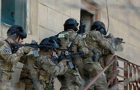 Спецназ СГБ проводит спецоперацию в здании исполнительной власти Нефтчалы