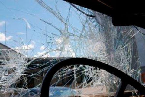 Bakıda yük maşını ilə minik avtomobili toqquşdu, 1 nəfər öldü