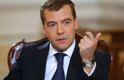 Dimitri Medvedev istefadan öncə büdcədən 127 milyard xərcləyib