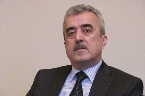"""Etibar Məmmədov: """"Hökumət nəhayət vahid komanda kimi fəaliyyət göstərə bildi"""""""