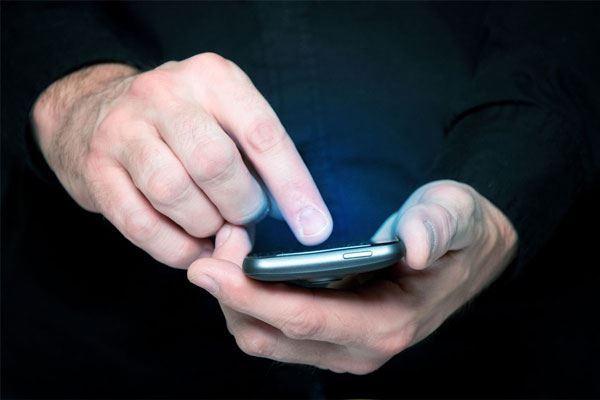 Dünyada ilk dəfə Azərbaycanda - Etibarnaməni telefonunuzdan verəcəksiniz