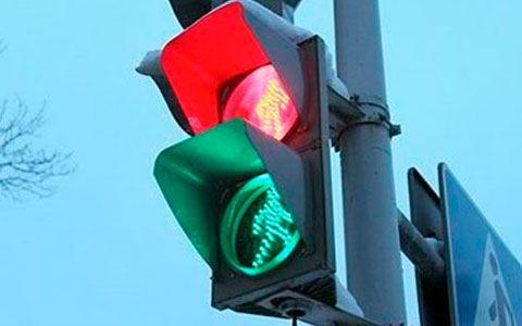 Sürücülərin DİQQƏTİNƏ: Bakıda bəzi işıqforların iş rejimi dəyişdirilib - SİYAHI