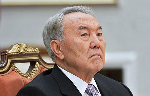 Назарбаев вручил ордена всем, кроме Пашиняна
