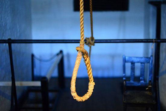 Azərbaycanda sahibkar intihar etdi