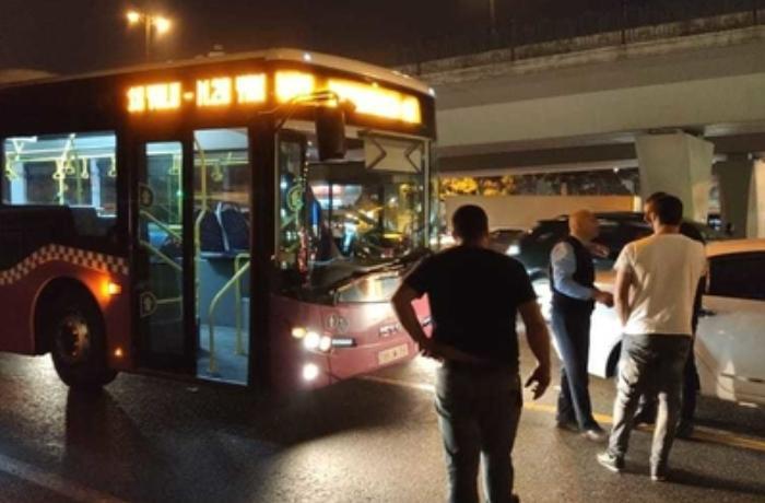 Bakıda sərnişin avtobusu minik avtomobili ilə toqquşub