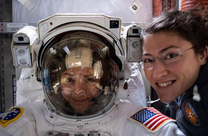 NASA ilk dəfə qadınlardan ibarət qrupu kosmosa göndərdi - FOTO