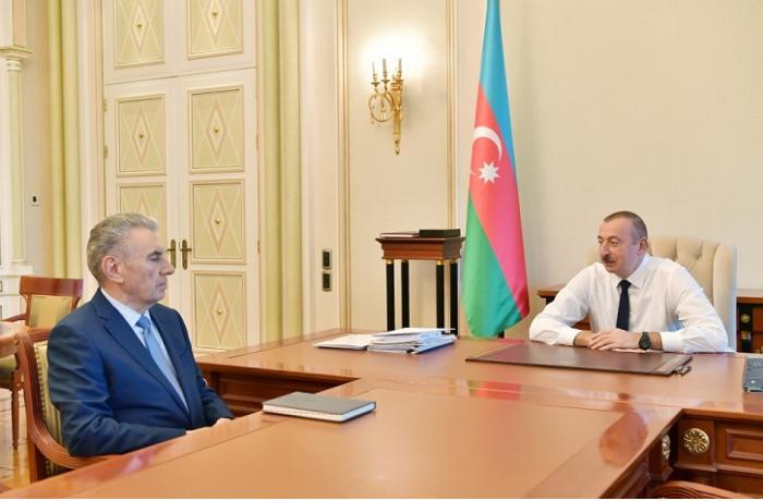 Президент Ильхам Алиев принял Али Гасанова в связи с освобождением от занимаемой должности