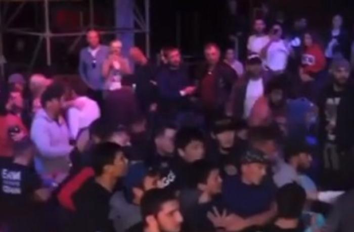 Erməni idmançı məğlub oldu: Tərəfdarları dava saldı - VİDEO