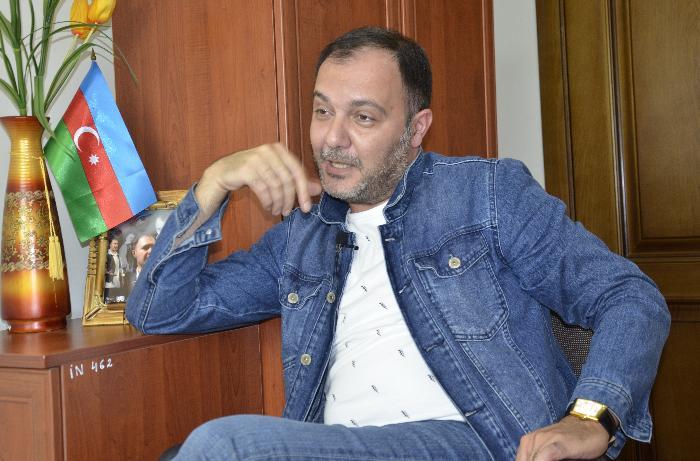 """Anar Heybətov: """"Gözəl xanımdır, modeldir seriala çəkirlər, baxırsan ki, biabrçılıqdı"""" - VİDEO"""