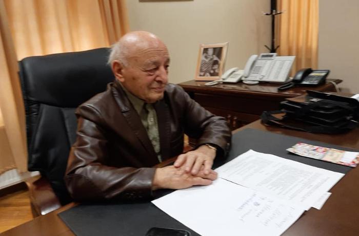 """Ömər Eldarov: """"Darıxanda daşlarla danışıram"""""""