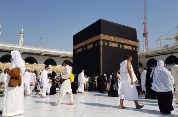Saudi Arabia suspends entry for Umrah pilgrimage, tourism amid coronavirus