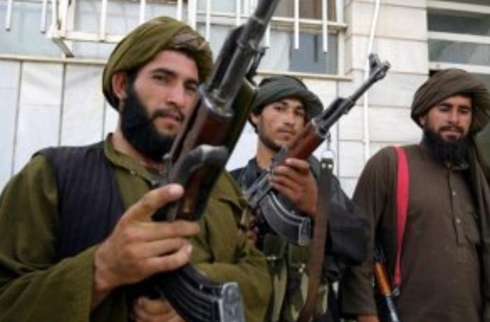 """İki professora əvəz """"Taliban""""ın üç rəhbəri azadlığa buraxıldı"""