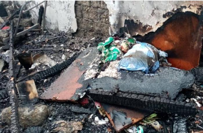 Bərdədə 3 otaqlı ev yanaraq kül oldu - VİDEO