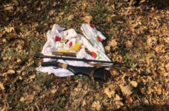 DSX meşədə əməliyyat keçirdi: Silahlar aşkarlandı