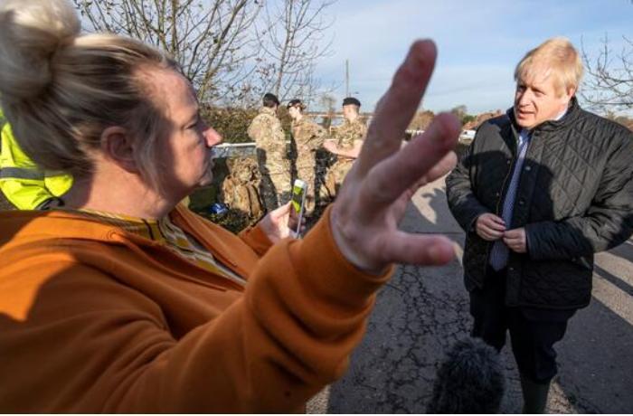 Fermerlər baş nazir Boris Consonu tənqid etdi - VİDEO