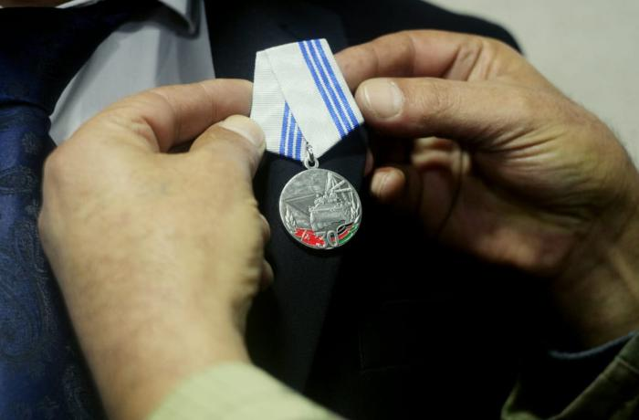 Ağstafa sakini örnək davranışına görə medalla təltif olundu - FOTO