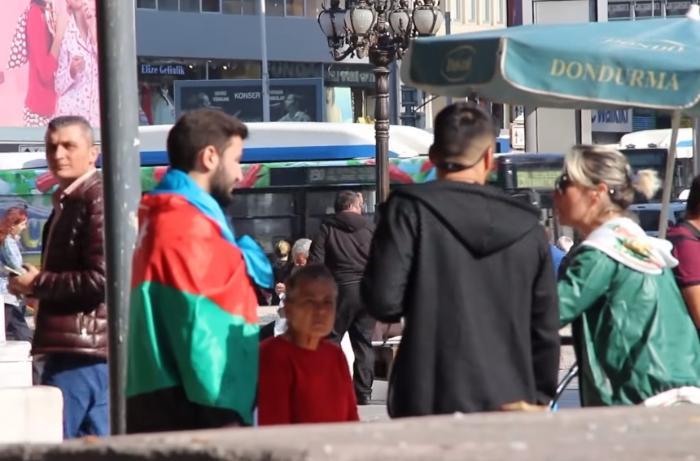 Türklər Azərbaycan bayrağına etiraz edən gəncin cavabını belə verdilər - VİDEO