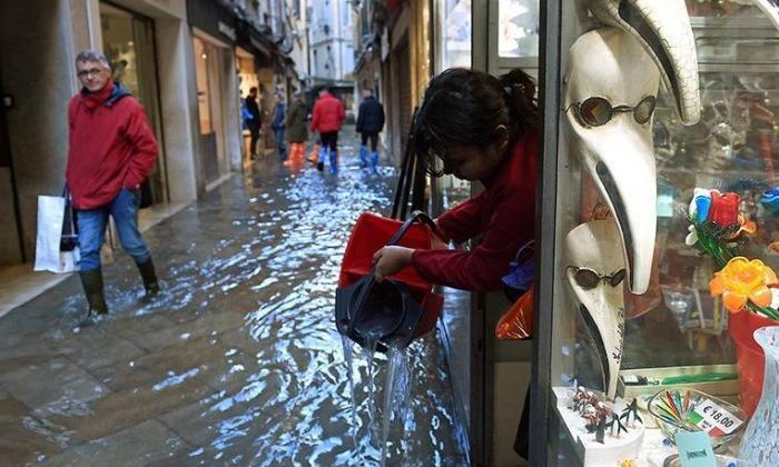 İtaliyada fövqəladə vəziyyət - 11 bölgədə suyun səviyyəsi İNANILMAZ HƏDDƏ çatdı