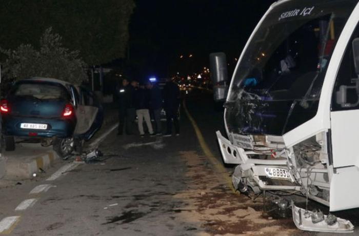 Türkiyədə DƏHŞƏTLİ QƏZA - Sürücü sükandan yola düşdü – ANBAAN VİDEO