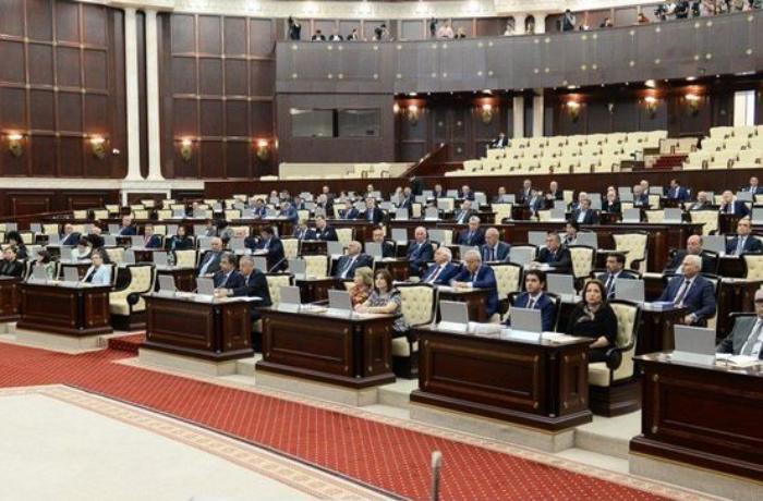 Yeni seçilən deputatların mobil nömrələri - TAM SİYAHI