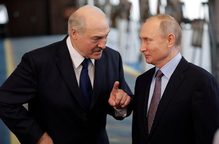 Putinlə Lukaşenkonun görüşündə işıq söndü