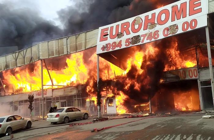 Сгорело 40% рынка стройматериалов в Баку