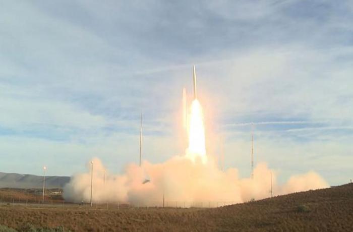 ABŞ yeni ballistik raketi sınaqdan keçirtdi