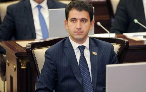 """""""Təəssüflər olsun ki, hələ də küçədə çoxlu sayda gəzən insanlar var"""" - Deputat"""