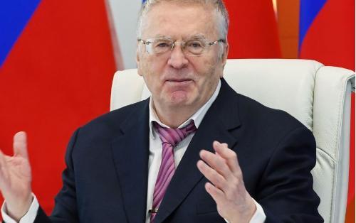 """Jirinovski: """"Tramp qadın paltarı geyinib Rusiyaya qaçacaq"""""""
