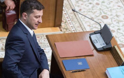 Украинцы просят Зеленского восстановить авиасообщение с Россией и снять блокаду Крыма