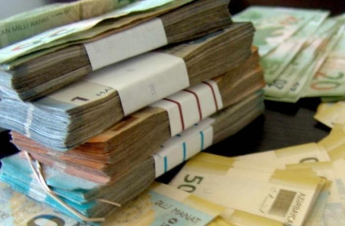 Həkimlərin maaşları artırıldı