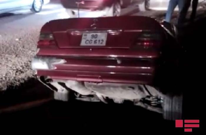 Xırdalanda avtomobil xəndəyə düşdü