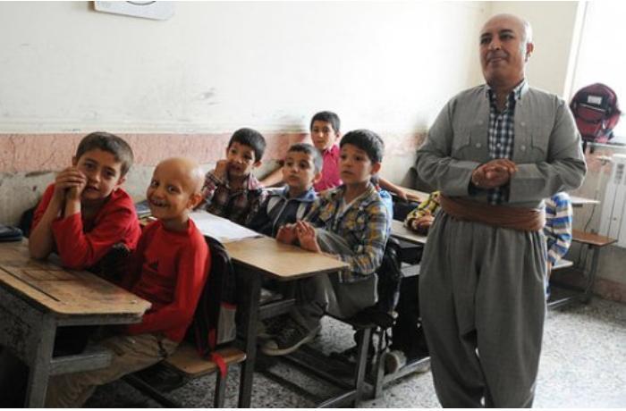 İranda məktəblilərə Azərbaycan dili tədris olunacaq
