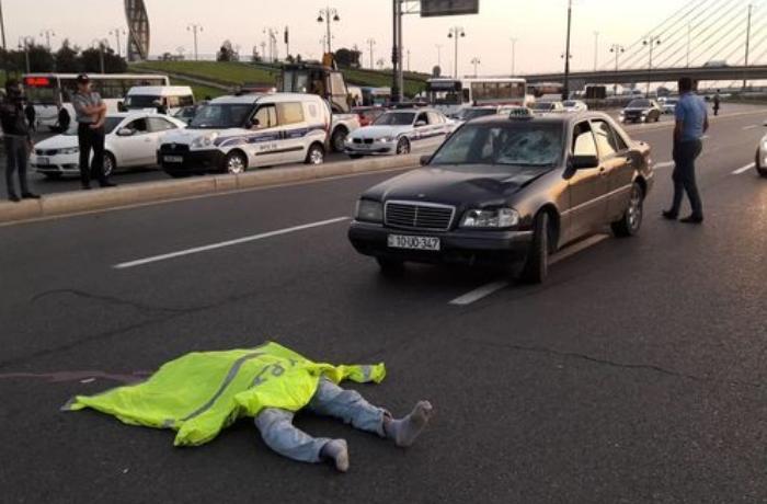 """""""Mercedes""""in vurduğu piyada hadisə yerində öldü – FOTOLAR"""