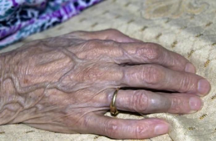 Bakıda gəlin 70 yaşlı qayınanasını öldürüb - YENİLƏNİB
